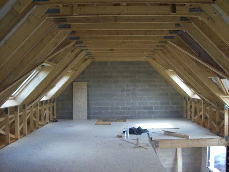 Plancher dalles osb pos dans combles am nageables constructionserieuse62acq for Plancher combles amenageables